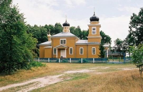 Церковь святой Параскевы Пятницы в деревне Болота